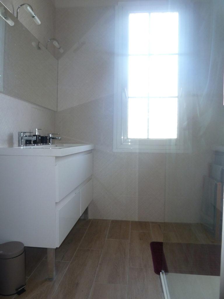 salle d'eau chambre 2